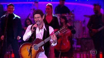 Nelson Freitas se transforma em Alejandro Sanz