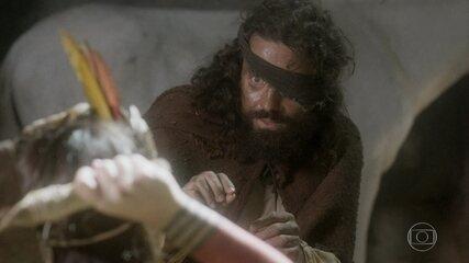 Ferdinando garante a Jacira que não quer as terras dos índios