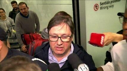 Deputado Rodrigo Rocha Loures chega ao Brasil e não dá declarações