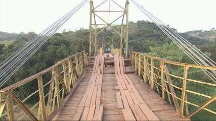Ponte que desabou com caminhão segue interditada; motoristas buscam opções no Sul de Minas