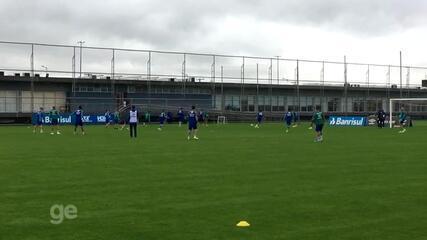 Maicon e Edílson voltam a treinar com grupo do Grêmio