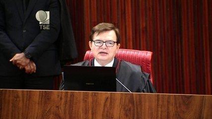 'Qualquer brasileiro tem acesso à íntegra do material dos autos', diz Herman Benjamim