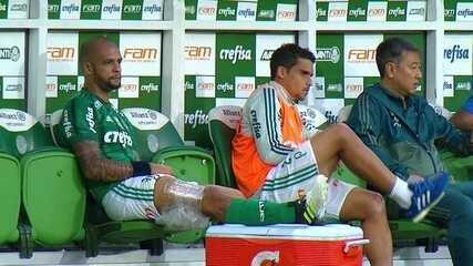 Felipe Melo deixa o jogo no segundo tempo e recebe tratamento ainda no banco de reservas