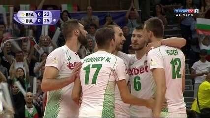Com bom saque, Búlgaria vence o primeiro set . Brasil 22/25 Bulgária 1º set