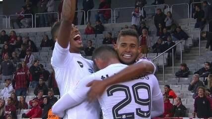 Veja os dois gols de Kayke contra o Atlético-PR