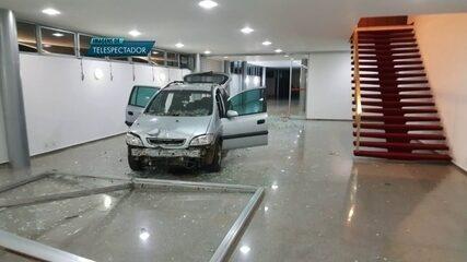 Jovem tenta invadir Palácio da Alvorada com carro e é parado a tiros