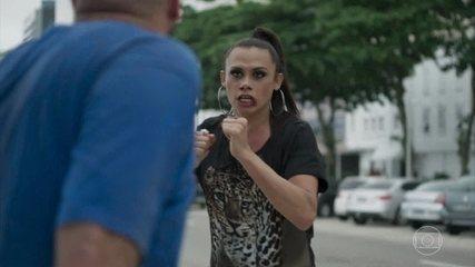 Elis Miranda sofre ataque homofóbico