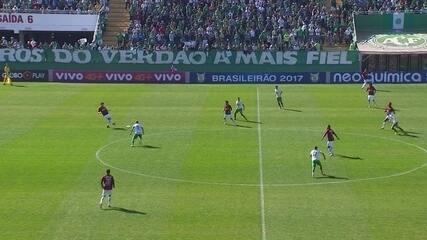 Atlético-PR troca passes por quase dois minutos antes de Sidcley abrir o placar
