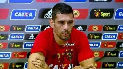 Diego Souza soltou o verbo contra a diretoria depois de negociação frustrada para o Palmeiras
