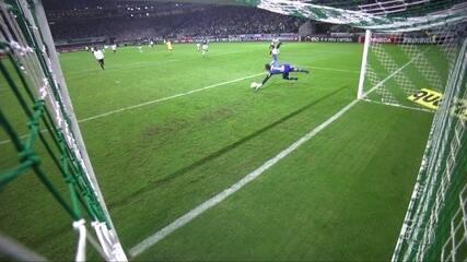 Gol do Corinthians! Arana recebe de Romero e amplia, aos 19' do 2º tempo
