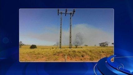 Incêndio em canavial deixa cinco cidades da região de Araçatuba sem luz