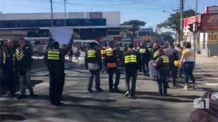 Mototaxistas de Taubaté cobram fiscalização da prefeitura em protesto