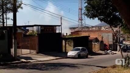 Incêndio destrói casa em Bragança Paulista