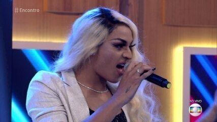 Pabllo Vittar canta 'Sua Cara'