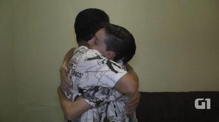 Pai organiza nova festa de batizado após filho dizer que é transgênero e mudar de nome