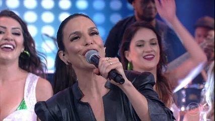 Ivete Sangalo canta 'Tempo de Alegria' no palco do 'Domingão'