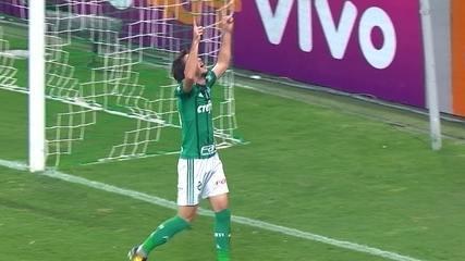 Gol do Palmeiras! Willian serve Hyoran que completa para as redes, aos 46 do 2º tempo