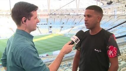 Leandro defende a escalação de Sobis no comando do ataque do Cruzeiro