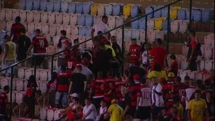 Torcedores tentam forçar passagem de setor no Maracanã