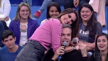 Flávia Alessandra e Otaviano Costa trocaram juras de amor no 'Altas Horas'