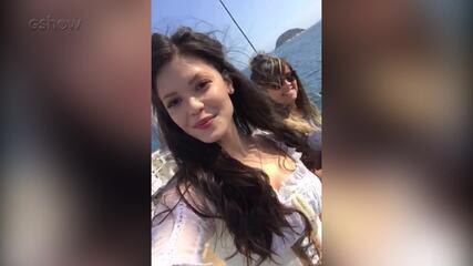 Vitória Strada grava cenas em alto-mar e mostra os bastidores