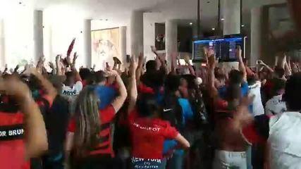 Torcida faz 'AeroFla' para motivar o Flamengo antes da decisão