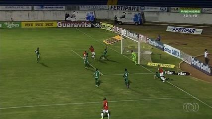 Goiás perde do Boa Esporte e volta para a zona de rebaixamento