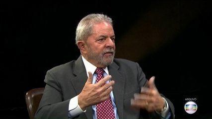 Empresário diz que assinou no mesmo dia recibos apresentados por defesa de Lula