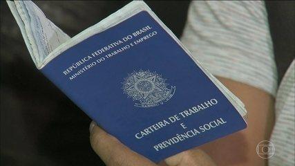 Desemprego no Brasil recua pela quinta vez seguida