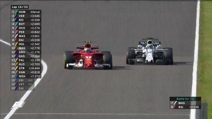 Felipe Massa é ultrapassado por Kimi Raikkonen