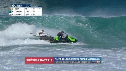 """Jordy Smith leva um """"caldo"""" enquanto pega carona com jet ski na etapa da França do Mundial"""