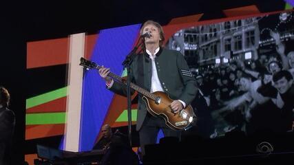 Paul McCartney reúne quase 50 mil pessoas em show no Beira-Rio