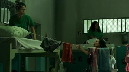 Teaser 'Pega Pega' 18/10: Mônica foge da prisão