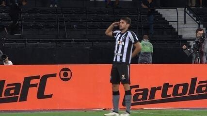 Gol do Botafogo! Igor Rabello sobe no segundo andar e cabeceia para marcar aos 30 do 2º tempo