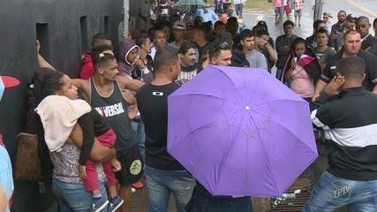 Torcedores do Corinthians reclamam da falta de ingressos para jogo contra Ponte Preta