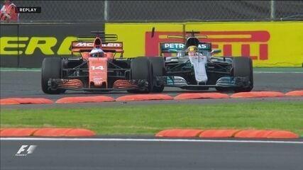 Confira replay da ultrapassagem de Hamilton para cima de Alonso no detalhe