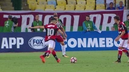 Melhores momentos de Flamengo 3 x 3 Fluminense pelas quartas de final da Sul-Americana