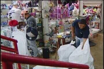 Receita continua operação em camelódromos de Uberlândia em busca de mercadoria sem nota