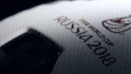 Adidas apresenta bola que será usada na Copa do Mundo da Rússia em 2018, em inglês