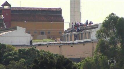 Rebelião na Penitenciária Estadual de Cascavel, no Paraná, completa 30 horas