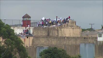 PM retoma negociação com presos rebelados em penitenciária de Cascavel (PR)
