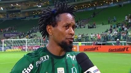 """Emocionado, Zé Roberto fala sobre últimos momentos da carreira: """"Dei o meu máximo"""""""