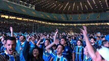 30 mil gremistas torcem e comemoram a conquista da Libertadores 2017 na Arena