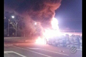 Pneus usados em competição são incendiados em Belém
