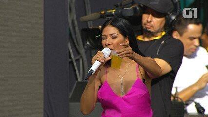 Festival de Verão: Simone e Simaria cantam 'Duvido Você Não Tomar Uma' e bebem cerveja