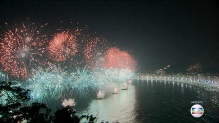 Rio de Janeiro se prepara pra festa na praia de Copacabana