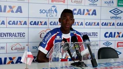 Bahia apresenta os laterais João Pedro e Léo como reforços para a temporada 2018