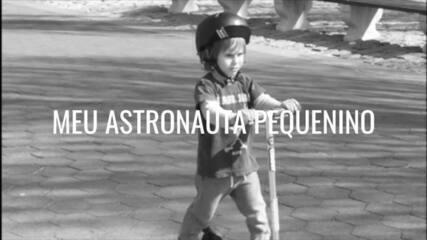 Murilo Rosa lança lyric video da canção 'Astronauta Pequenino' com imagens de sua relação com os filhos
