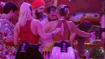 Brothers dançam funk na Festa Alto Astral