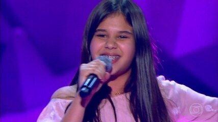 Letícia Alves canta 'I Want You Back'